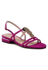 Różowe sandały sagan