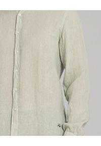 FAY - Zielona lniana koszula. Typ kołnierza: kołnierzyk klasyczny. Kolor: zielony. Materiał: len. Długość rękawa: długi rękaw. Długość: długie. Wzór: haft. Sezon: jesień, zima, lato. Styl: klasyczny, sportowy