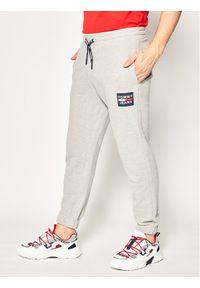Szare spodnie dresowe Tommy Jeans