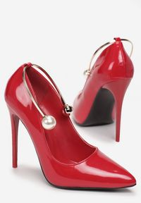 Czerwone szpilki Renee
