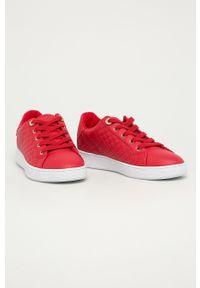 Czerwone buty sportowe Guess Jeans na sznurówki, z cholewką