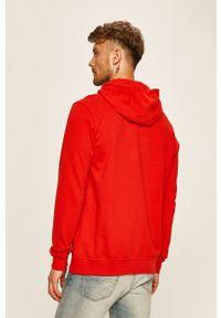 Czerwona bluza nierozpinana Helly Hansen z aplikacjami, z kapturem, casualowa, na co dzień