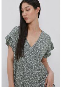 Haily's - Sukienka. Okazja: na co dzień. Kolor: zielony. Materiał: tkanina. Długość rękawa: krótki rękaw. Typ sukienki: proste. Styl: casual
