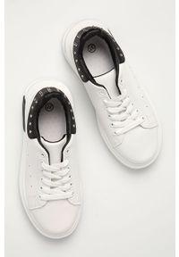 Białe buty sportowe Answear Lab z okrągłym noskiem, na obcasie, na sznurówki