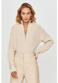 Kremowy sweter Calvin Klein Jeans krótki, z golfem
