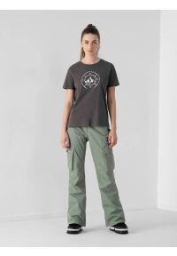 4f - Spodnie snowboardowe membrana 15 000 damskie. Kolor: zielony. Materiał: materiał. Sezon: zima. Sport: snowboard