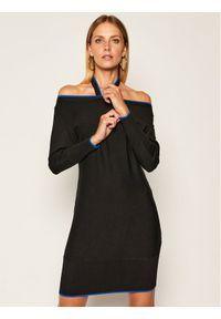 Czarna sukienka dzianinowa Guess