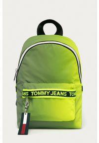 Tommy Jeans - Plecak. Kolor: zielony. Materiał: materiał