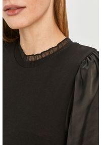 Czarna bluzka Jacqueline de Yong ze stójką, z długim rękawem