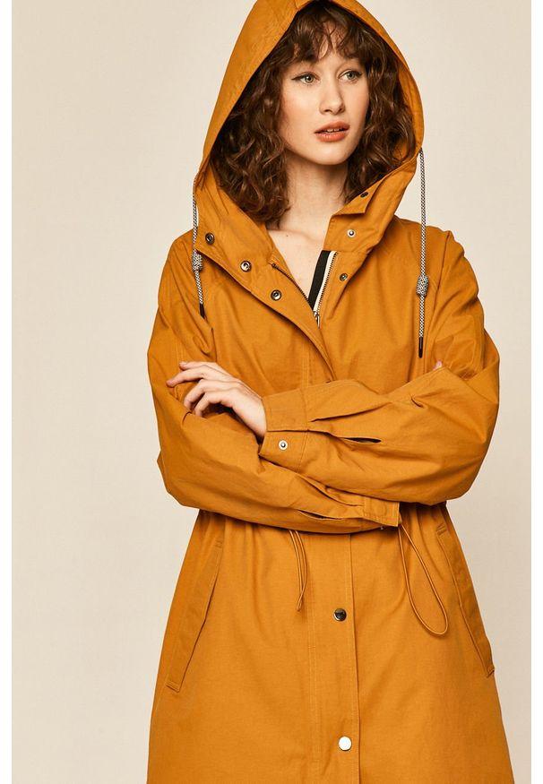 Pomarańczowy płaszcz medicine z kapturem, na co dzień