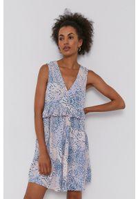 Vero Moda - Sukienka. Okazja: na co dzień. Kolor: niebieski. Długość rękawa: na ramiączkach. Typ sukienki: proste. Styl: casual