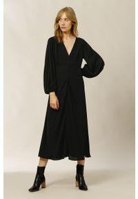 IVY & OAK - Sukienka MANON. Kolor: czarny. Materiał: materiał. Długość rękawa: długi rękaw. Typ sukienki: rozkloszowane