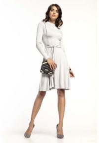 Tessita - Jasnoszara Rozkloszowana Sukienka z Golfikiem. Kolor: szary. Materiał: wiskoza, akryl, elastan