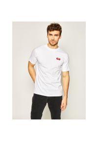 Biały t-shirt Prosto.