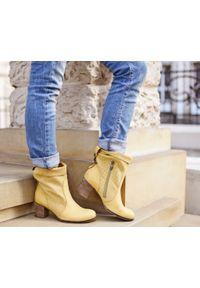Zapato - ażurowe botki na słupku - skóra naturalna - model 496 - kolor żółty. Okazja: na co dzień. Zapięcie: klamry. Kolor: żółty. Wzór: ażurowy. Wysokość cholewki: za kostkę. Materiał: skóra. Sezon: lato, jesień, wiosna. Obcas: na słupku. Styl: casual. Wysokość obcasa: średni