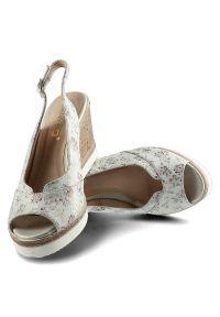 Brązowe sandały Karino