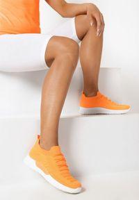 Pomarańczowe buty sportowe Born2be