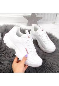 Buty sportowe damskie białe Cross Jeans EE2R4133C. Kolor: biały. Materiał: skóra ekologiczna. Sezon: lato