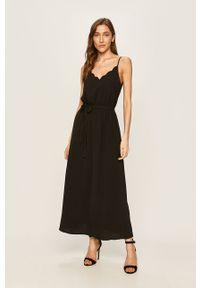 Czarna sukienka ANSWEAR na co dzień, prosta, na ramiączkach, casualowa