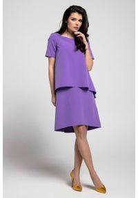 Nommo - Fioletowa Trapezowa Sukienka z Asymetryczną Nakładką. Kolor: fioletowy. Materiał: wiskoza, poliester. Typ sukienki: asymetryczne, trapezowe