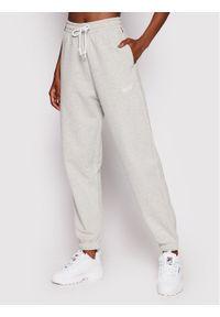 Levi's® Spodnie dresowe Unisex Red Tab™ A0767-0000 Szary Relaxed Fit. Kolor: szary. Materiał: dresówka