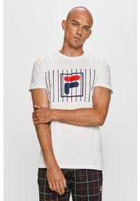 Biały t-shirt Fila na co dzień, z okrągłym kołnierzem, casualowy, z nadrukiem