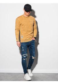 Ombre Clothing - Bluza męska bez kaptura bawełniana B1173 - musztardowa - XXL. Typ kołnierza: bez kaptura. Kolor: żółty. Materiał: bawełna. Wzór: aplikacja. Styl: klasyczny