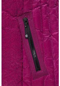 Desigual - Kurtka. Okazja: na co dzień. Kolor: różowy. Materiał: włókno, futro, materiał. Styl: casual