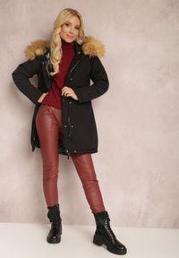 Renee - Czarna Kurtka Dwustronna Neralis. Kolor: czarny. Materiał: futro. Długość rękawa: długi rękaw. Długość: długie. Wzór: gładki. Sezon: zima