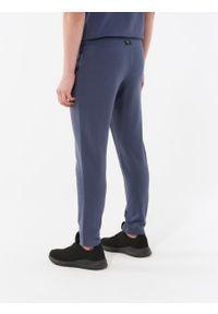 Spodnie dresowe outhorn