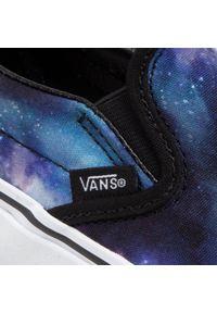 Vans - Tenisówki VANS - Classic Slip-On VN0A33TBG4F1 (Galaxy) Black/True White. Okazja: na co dzień. Zapięcie: bez zapięcia. Kolor: wielokolorowy, fioletowy, niebieski. Materiał: materiał. Szerokość cholewki: normalna. Styl: casual. Model: Vans Classic