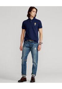 Ralph Lauren - RALPH LAUREN - Granatowa koszulka polo z misiem Custom Slim Fit. Typ kołnierza: polo. Kolor: niebieski. Materiał: bawełna. Długość: długie. Wzór: haft