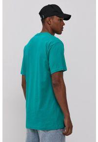 Vans - T-shirt. Okazja: na co dzień. Kolor: zielony. Materiał: dzianina. Wzór: nadruk. Styl: casual