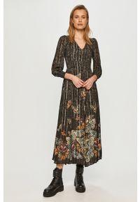 Desigual - Sukienka. Kolor: czarny. Długość rękawa: długi rękaw. Typ sukienki: rozkloszowane
