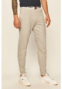 Szare spodnie dresowe TOMMY HILFIGER z nadrukiem