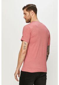 Różowy t-shirt columbia na co dzień, z nadrukiem