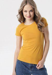 Born2be - Camelowy T-shirt Echolaira. Długość: krótkie. Styl: sportowy