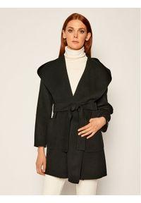 Czarny płaszcz Marella