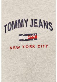 Tommy Jeans - Bluza. Okazja: na co dzień. Kolor: szary. Materiał: bawełna. Wzór: aplikacja. Styl: casual