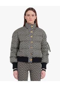 Balmain - BALMAIN - Puchowa kurtka z monogramem. Kolor: czarny. Materiał: puch
