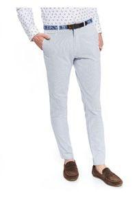 TOP SECRET - Spodnie typu chino z paskiem slim fit. Okazja: na co dzień. Kolor: niebieski. Materiał: tkanina, bawełna. Wzór: prążki. Sezon: wiosna, lato. Styl: casual