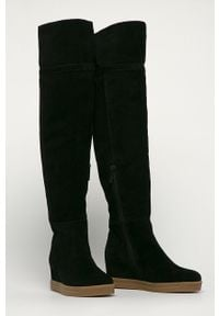 Czarne kozaki Calvin Klein na średnim obcasie, na zamek, na koturnie, z cholewką