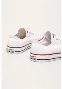 Białe niskie trampki Converse na sznurówki, z okrągłym noskiem, z cholewką