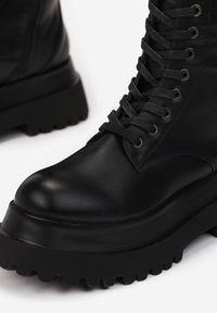 Renee - Czarne Kozaki Nothion. Wysokość cholewki: przed kolano. Nosek buta: okrągły. Zapięcie: zamek. Kolor: czarny. Szerokość cholewki: normalna. Obcas: na obcasie. Styl: rockowy. Wysokość obcasa: średni