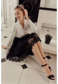 Spódnica rozkloszowana elegancka, w koronkowe wzory