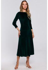 e-margeritka - Sukienka welurowa midi rozkloszowana elegancka zielona - m. Okazja: na sylwestra, na imprezę. Kolor: zielony. Materiał: welur. Typ sukienki: proste. Styl: elegancki. Długość: midi