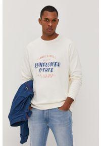 Lee - Bluza bawełniana. Okazja: na co dzień. Kolor: biały. Materiał: bawełna. Długość rękawa: raglanowy rękaw. Wzór: nadruk. Styl: casual
