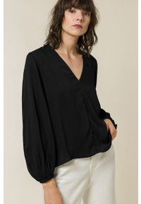IVY & OAK - Bluzka BENA. Kolor: czarny. Materiał: tkanina. Długość rękawa: długi rękaw. Długość: długie. Wzór: gładki