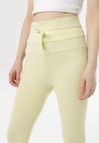 Żółte legginsy Born2be