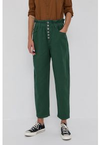 United Colors of Benetton - Jeansy Shirley. Stan: podwyższony. Kolor: zielony